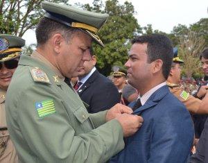 Juízes recebem diploma de Amigo da Polícia Militar do Piauí