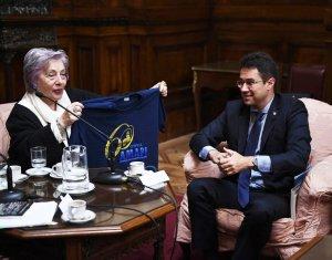 Intercâmbio na Argentina: reunião com Norma Morandini debate importância dos direitos humanos