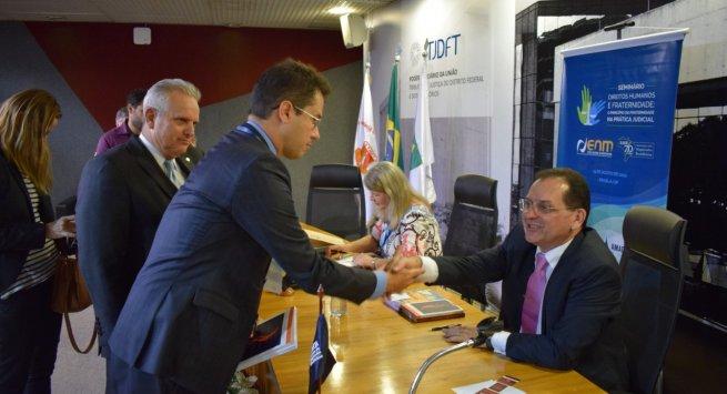 Amapi prestigia lançamento de livros do ministro Reynaldo Soares da Fonseca em Brasília