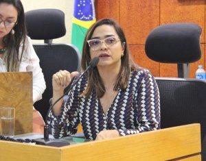 Magistrada ministra palestra sobre participação feminina nos poderes federados em evento no TRE-PI