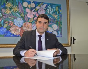 Leonardo Trigueiro toma posse como Juiz Auxiliar em Teresina