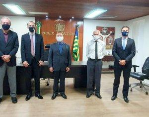 Amapi e TJ-PI discutem demandas de magistrados aposentados