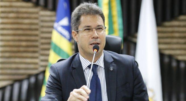 Juiz Thiago Brandão é empossado na Academia de Letras da Magistratura Piauiense